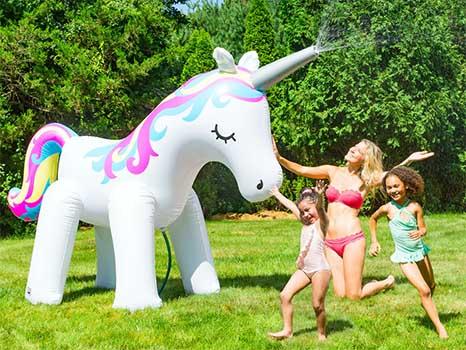 7 roliga vattenspridare till barnen - perfekt till sommarens lek